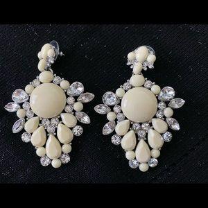 ✨2/$24✨ Vintage-inspired glam earrings ⭐️